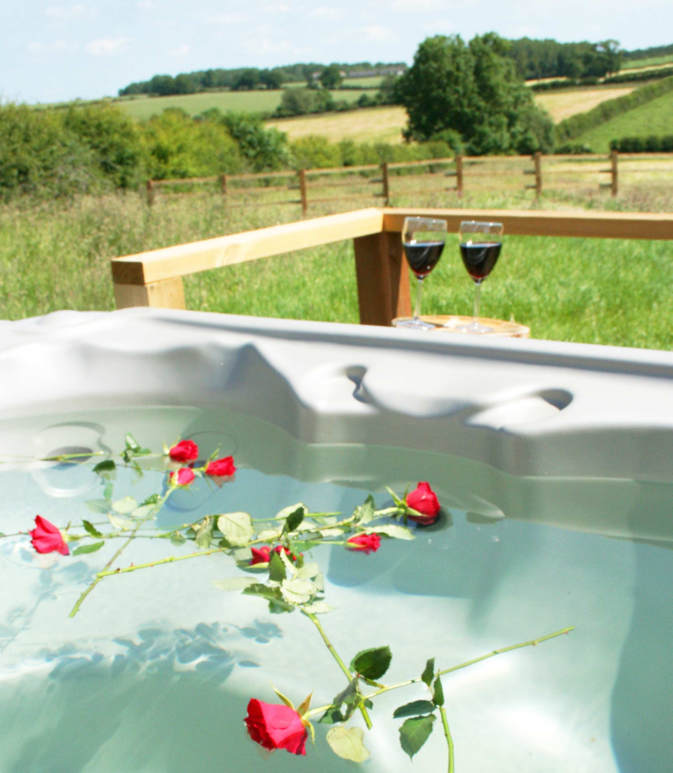 Hot tub at Village Farm Getaway, holidays glamping and luxury camping in East Midlands and Leicestershire